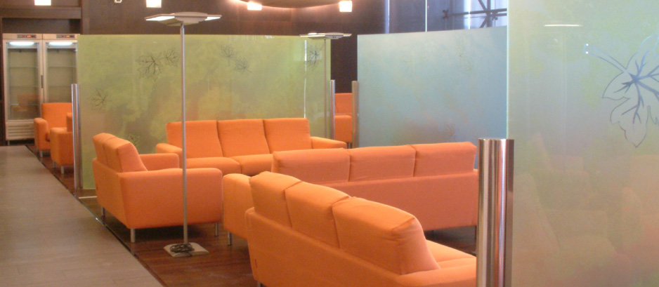 Biombos y paneles separadores de oficina hermarta - Biombos separadores de espacios ...