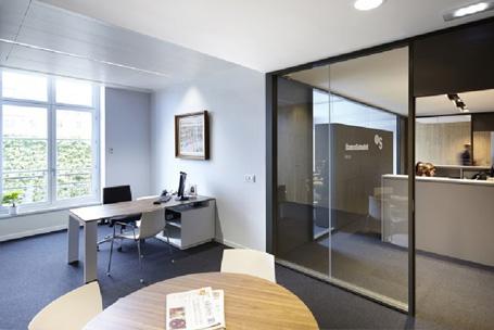 Mamparas divisorias para separacin de ambientes hermarta for Espacios de oficina