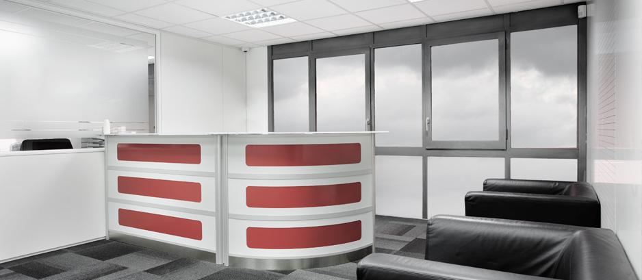 Mamparas para recepciones de dise o hermarta for Recepciones modernas para oficinas