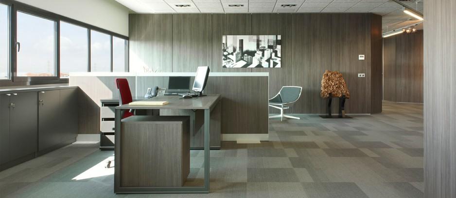 Mamparas de oficina divisiones de cristal y madera para for Oficinas modernas 2016
