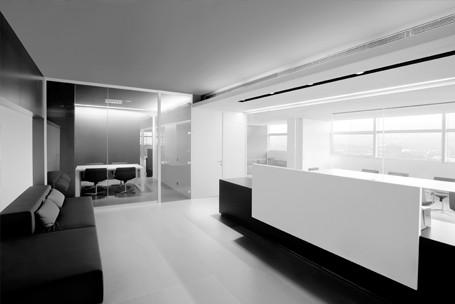 Mamparas de oficina divisiones de cristal y madera para for Mamparas cristal oficina