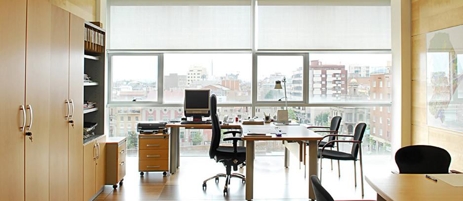 Mobiliario para oficina muebles para direcci n for Mobiliario para despachos