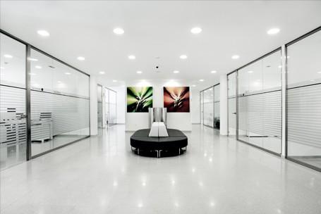 Suelos t cnicos para oficina pavimentos en pvc moqueta for Suelos ceramicos