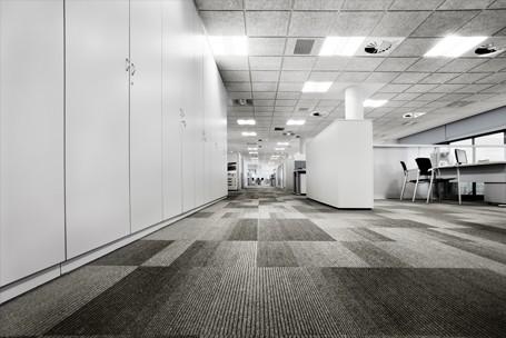 Suelos t cnicos para oficina pavimentos en pvc moqueta for Detalle suelo tecnico