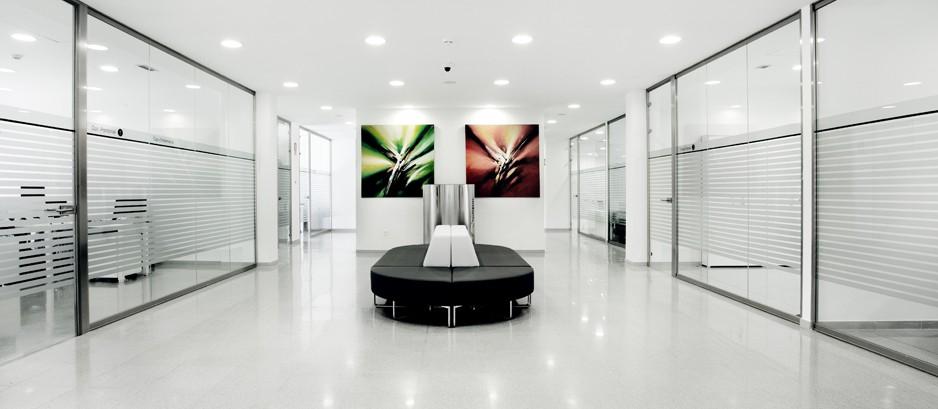 Reconversi n de espacios para oficina hermarta arquitectura for Espacios minimos para oficinas
